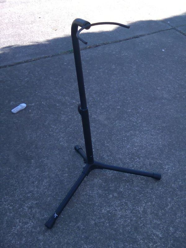 Musical instrument/ guitar/ saxophone/ clarinet stand foldable