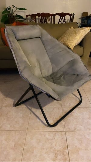 Comfortable grey chair for Sale in Bakersfield, CA