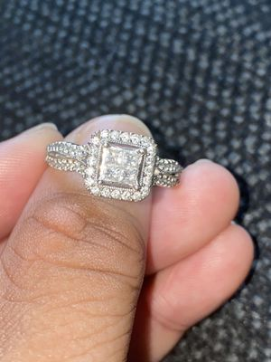 1 Carat Diamond engagement ring 14k white gold for Sale in Greensboro, NC