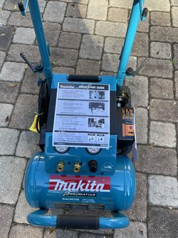 New Makita 5.2 Gallon Air Compressor MAC5200 for Sale in Orlando,  FL