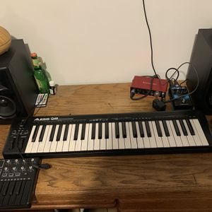 Alesis Q49 USB Midi Keyboard Controller for Sale in Torrance, CA