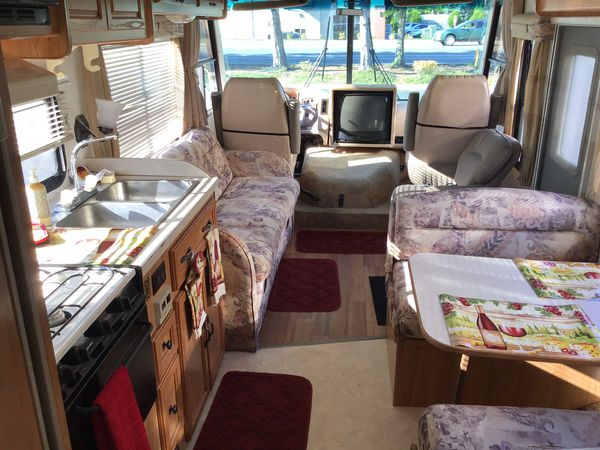 2001 Chevy coachman 31 foot