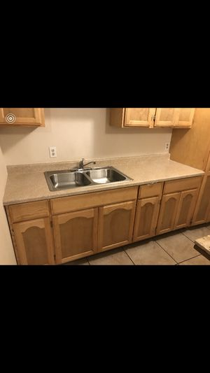 Kitchen cabinets like new for Sale in Huntington Park, CA