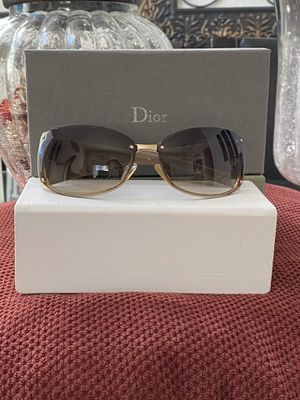 Authentic DIOR SUNGLASSES for Sale in Vacaville, CA