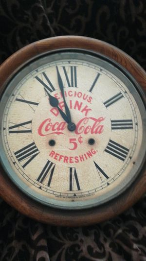 Antique Delicious 5 cent Drink Coca Cola Refreshing Clock for Sale in West Bloomfield Township, MI