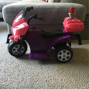 Lil Patrol 6V, Purple And Pink for Sale in San Jose, CA