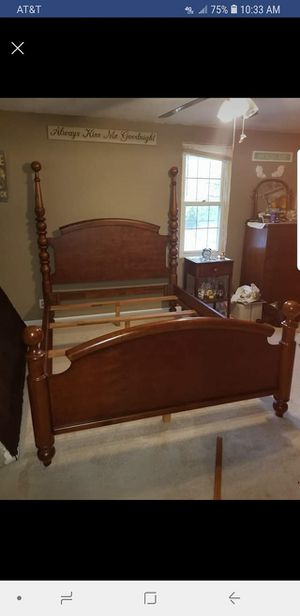 Queen size bed frame for Sale in Powhatan Point, OH