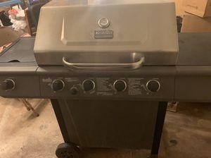 Charbroil 4 burner gas grill for Sale in Abilene, TX