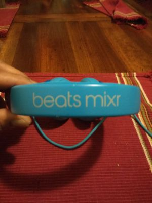 Beats Mixr studio headphones. There's none of this caliber better than these. Blocks out all noise, clear sound , and bass and loudness off the hook. for Sale in Tacoma, WA