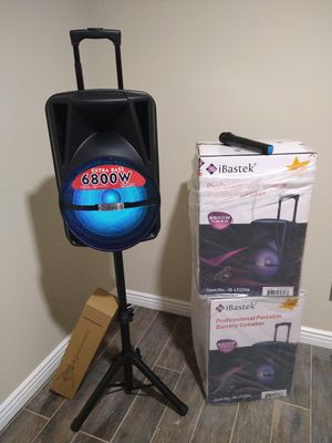 SPEAKER BLUETOOTH WIRELESS RECHARGEABLE 🔋 PORTABLE LOUD SOUND $130. NEW IN BOX for Sale in Rialto, CA