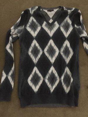 Burberry light sweater, size L for Sale in Dallas, TX