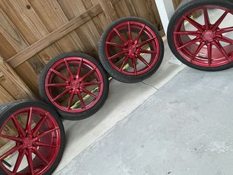"""Rohana Wheels Rims Rf1 20"""" With Tires for Sale in Miami,  FL"""