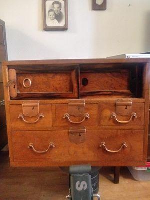 Antique Japanese writing desk w/keys for Sale in Phoenix, AZ