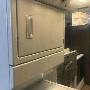 """Stackable 27"""" inches Washer And Dryer Whirlpool for Sale in Pompano Beach, FL"""
