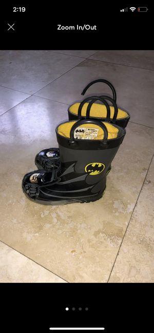 Boy kids rain boots size 7 Batman for Sale in Dearborn, MI