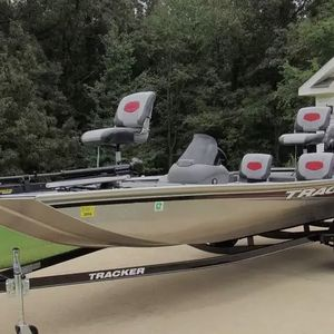 Pro 170 Boat Tracker for Sale in Cleveland, OH