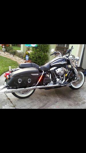 Harley Davidson road king classic for Sale in Ruskin, FL