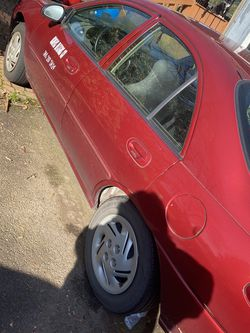 02 Ford Escort Excellent Condition for Sale in Portland,  OR