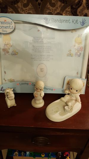 Precious moments kit for Sale in Houston, TX