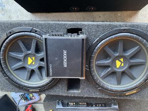 12s kickers come with kicker amp for Sale in Pickerington, OH