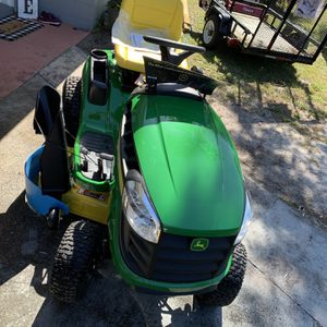 John Deere E140 Lawn Tractor for Sale in Bartow, FL