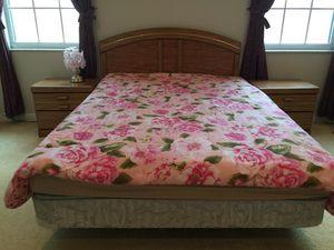 Queen bedroom set for Sale in St. Cloud, FL