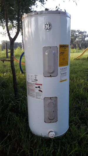 GE Hot Water Heater 40 gal. Electric for Sale in Dade City, FL