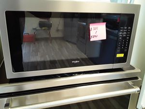 Microwave Whirlpool Stainless Steel. New. Warranty for Sale in Hialeah, FL