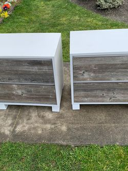 nightstand set of 2 for Sale in Everett,  WA