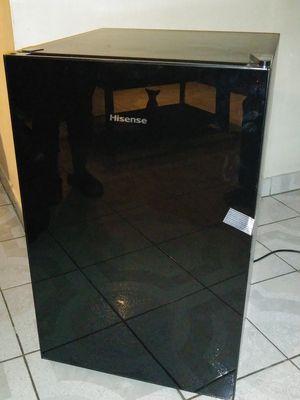 Hisense mini fridge for Sale in Anaheim, CA