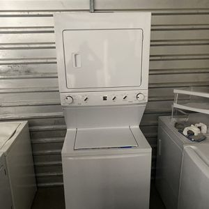 Kenmore Stackable Washer And Gas Dryer Set for Sale in North Las Vegas, NV