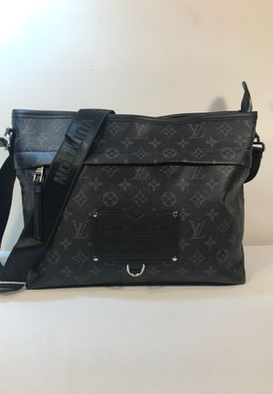 Crossbody Bag for Sale in Charlotte, NC