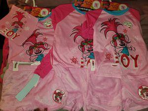 Girls Trolls Christmas pajamas with gift bag. for Sale in Atlanta, GA