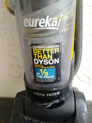 Eureka hepa filter upright vac vacuum cleaner works great! Better than dyson! for Sale in Pompano Beach, FL