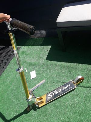 vintage golden stingray scooter for Sale in Los Angeles, CA