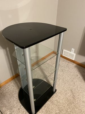 Tower TV Stand with glass shelves for Sale in Saint Paul, MN