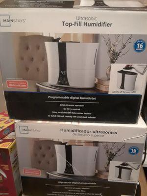 Mainstays Ultrasonic Programmable digital Top Fill Refill Humidifier 1.5 Gallon for Sale in Maricopa, AZ
