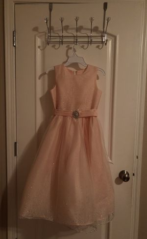 Size 8 flower girl dress, fancy pastel coral color with beautiful sparkles for Sale in Hayward, CA