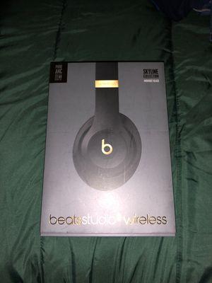 BEATS STUDIO 3 wireless for Sale in CORONA DL MAR, CA