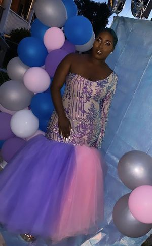 Beautiful prom dress for sale for Sale in Baltimore, MD