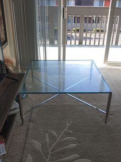 Sturdy Glass Table For Living Room for Sale in Redmond,  WA