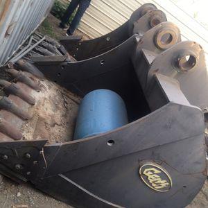 450 John Deere Excavator Buckets for Sale in Hemet, CA
