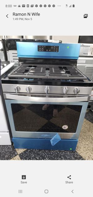 Brand New Whirlpool stove for Sale in New York, NY