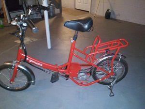 E- guruma electric scooter for Sale in Akron, OH