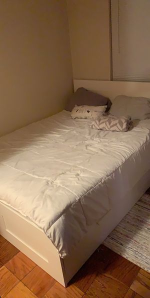 Bed frame and mattress available for Sale in Queens, NY