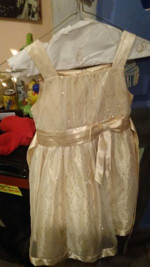 Very beautiful girls size 8 d ress for Sale in Jacksonville, FL