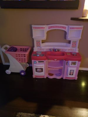 Play kitchen and shopping cart for Sale in Graham, WA