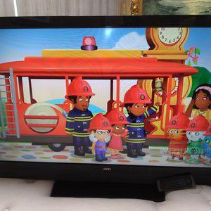 VIZIO TV. 50 INCH---O.B.O for Sale in Tampa, FL
