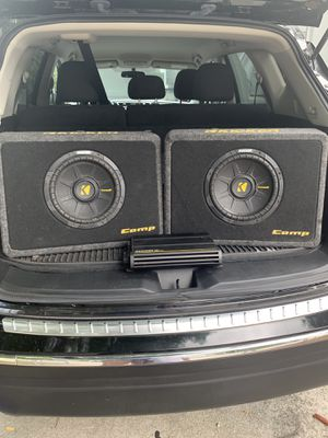 "2 Kicker CompS 10"" 4 Ohm Thin-Profile Speakers with Kicker 12CX3004 Car Amplifier for Sale in Fort Pierce, FL"