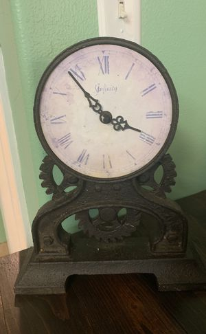 Shabby chic clock for Sale in Battle Ground, WA